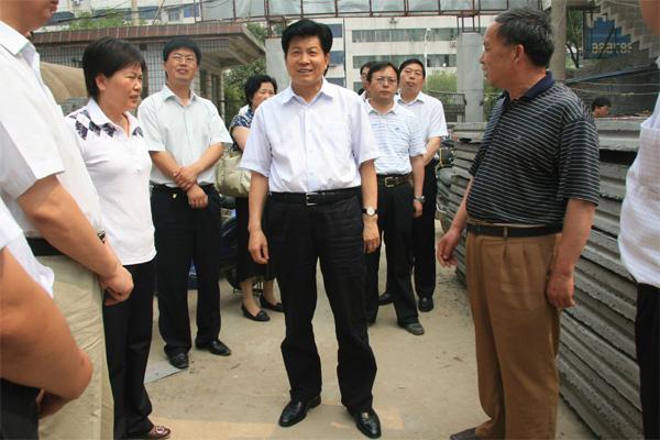 市长祁金立、副市长谢连章、市政府秘书长高喜